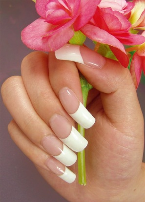 nails that most closely resembles the natural nail gel nails are