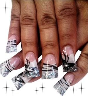Nail Art Design Black And White Cruz